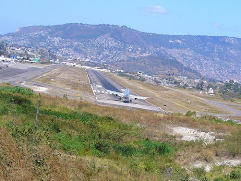 aeropuerto-honduras.jpg